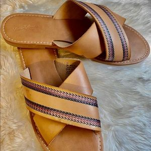 Super cute sandals perfect for summer! ☀️🌻
